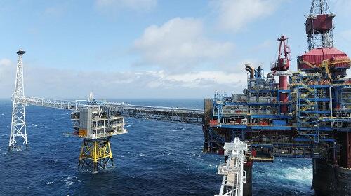 EW oil rig